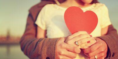"""Aşk Büyüsü Nedir ve """"Eşler Arasında Yapılan Aşk Büyüsü"""""""
