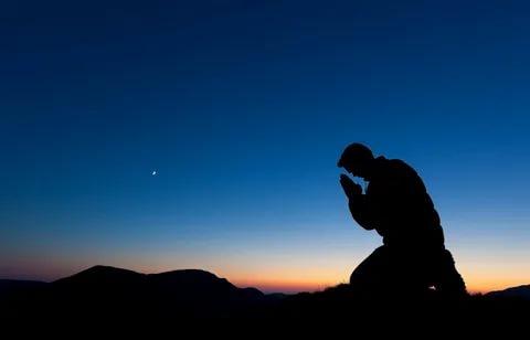 Kocasının Karısına Düşkün Olması İçin Edilecek Dualar